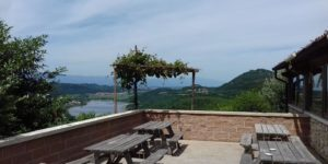 agriturismo valchegozzo in provincia di vicenza veduta lago di fimon